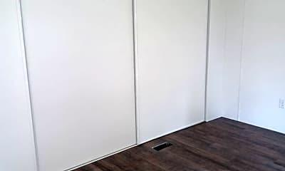 Bedroom, 7 Locust Ln, 2