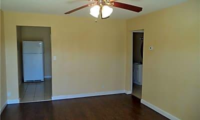 Bedroom, 4100 N Ann Arbor Ave, 1