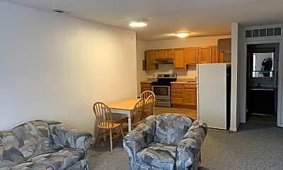 Living Room, 1009 W Main St, 1