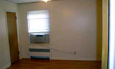 Bedroom, 4702 Cass St, 1