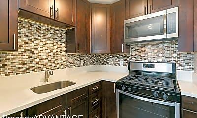 Kitchen, 1430 Dubuque St, 1