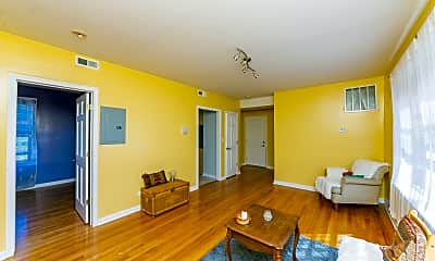 Living Room, 7320 N.Honroe 302, 2