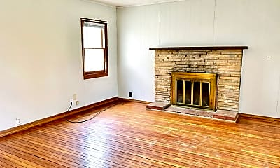 Living Room, 1004 Grant St, 1