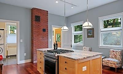 Kitchen, 166 Pleasant Ave, 2