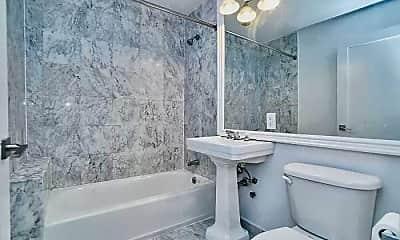 Bathroom, 114 Ridge St, 2
