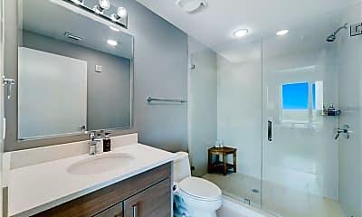 Bathroom, 260 S Osceola Ave, 2