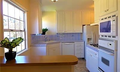 Kitchen, 4703 Greenmeadows Ave, 1
