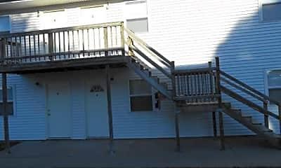 Building, 209 W Bridge St, 2