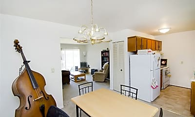 Dining Room, 1028 Chester Rd, 1