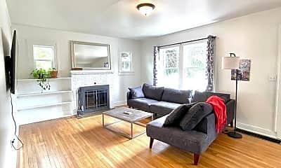 Living Room, 1405 SE Long St, 0