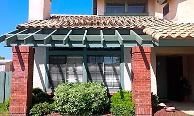 Building, 902 Homestead Pl, 1