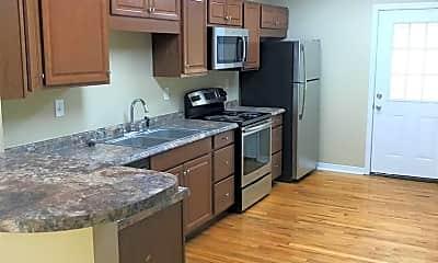 Kitchen, 206 Juniper Dr, 1
