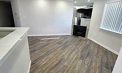 Living Room, 14242 Roscoe Blvd, 0