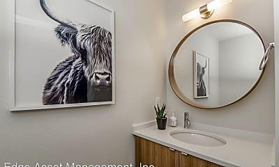 Bathroom, 4305 N Montana Ave, 2