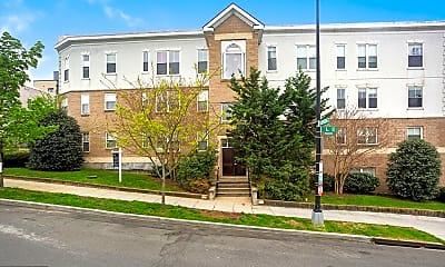 Building, 1629 L St NE 301, 1