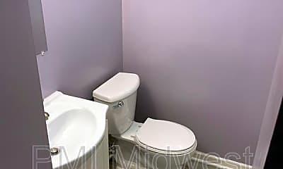 Bathroom, 2705 Rader St, 2