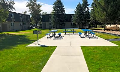 Foothill Gardens Apartments, 2