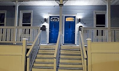 Building, 118 Pequonnock St, 1