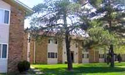 Building, Fountainview Apartments, 2