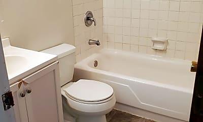 Bathroom, 740 Demaret Dr, 2