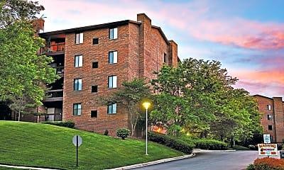 Building, Farmingdale Apartments, 0