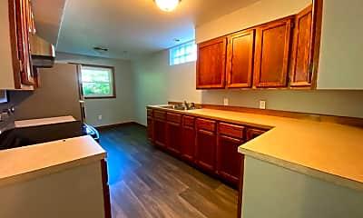 Kitchen, 1425 Pin Oak Dr, 1