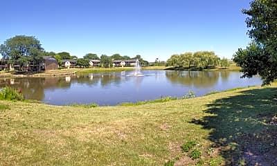 16W470 Lake Dr 8-106, 1