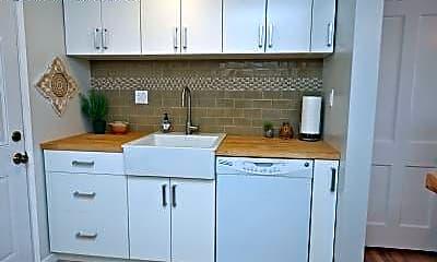 Kitchen, 409 Ashtabula St, 2
