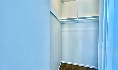 Living Room, 14157 Calvert St, 2