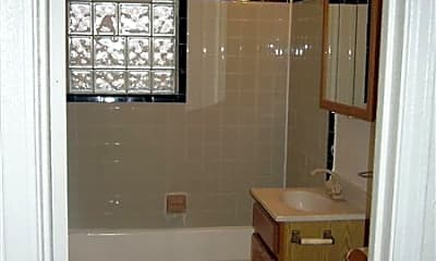 Bathroom, 1071 Rochester Rd, 2