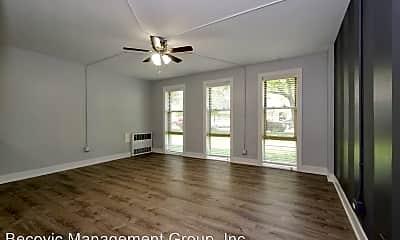 Living Room, 7070 N Sheridan Rd, 0