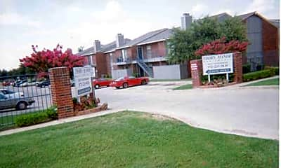 Thorn Manor Apartments, 2