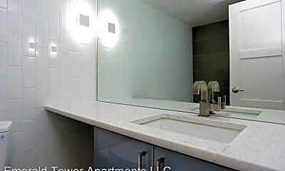 Bathroom, 107 W Cheyenne Rd, 2