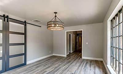 Living Room, 11808 Woodbridge Rd, 2