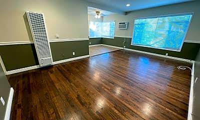 Living Room, 937 E Mariposa St, 1