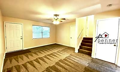 Living Room, 910 SW 15th St, 1
