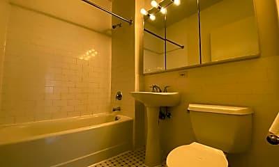 Bathroom, 109 Washington St, 2