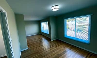 Living Room, 596 Bella Vista Way, 1