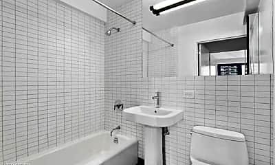 Bathroom, 22 E 39th St, 1