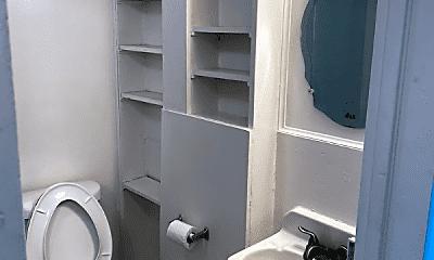 Bathroom, 2110 Lincoln Ave, 1
