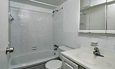 Bathroom, 449 Hamilton St, 1