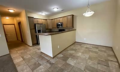 Kitchen, 2000 Meadow Ct, 2
