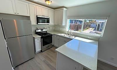 Kitchen, 4448-4450 Berryman, 1