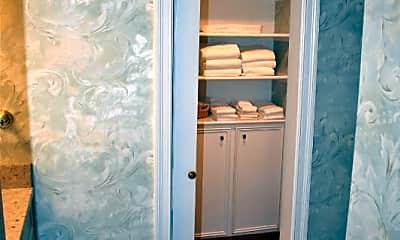 Bathroom, 54 Montagu St, 2
