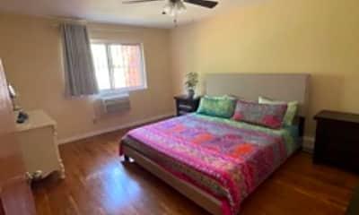 Living Room, 41-12 57th St, 2