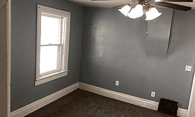 Bedroom, 913 Iowa St, 1