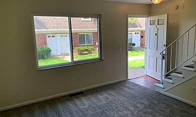 Living Room, 3515 W Siebenthaler Ave, 1