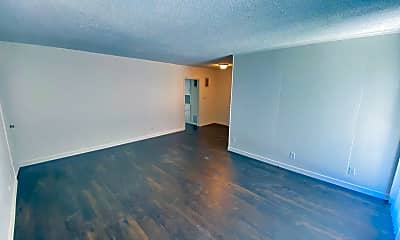 Living Room, 3332 Mentone Ave, 1