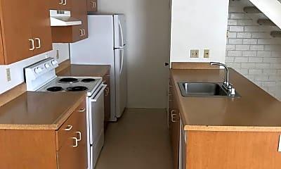 Kitchen, 2136 Chrysler Dr, 2