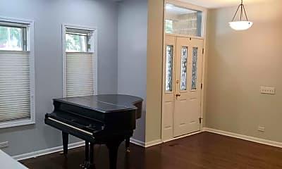 Living Room, 5326 S Ingleside Ave, 1